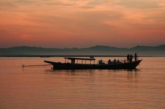 IP MYANMAR iawadi sset boat silet